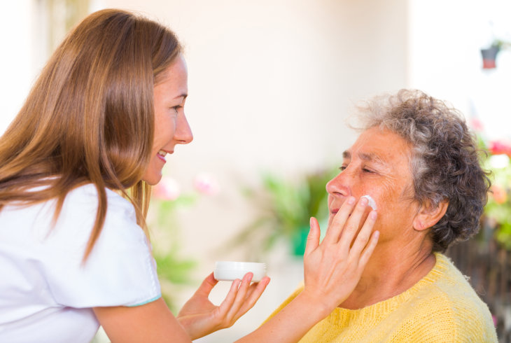 senior-skincare-preventing-dryness-and-itching